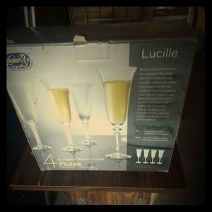 "Set of 4 NEW wineglasses, ""Lucille"" style"